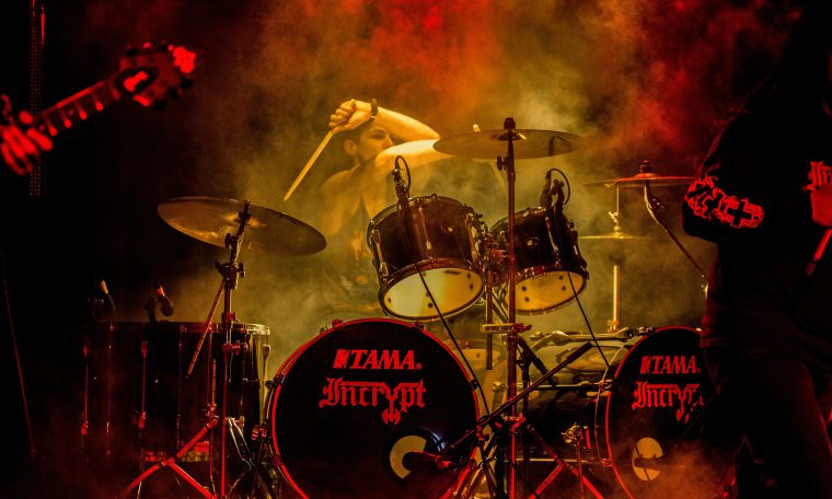 Filmtip: sound of metal, over een drummer die doof wordt.