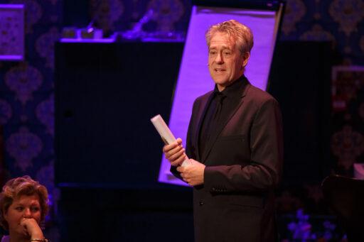 Peter Heerschop tijdens de Alles komt goed zondagmiddagshow